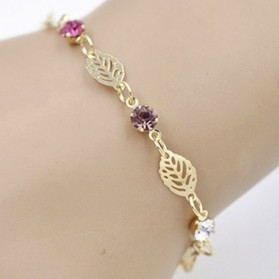 "Bracelet ""feuilles et strass"""